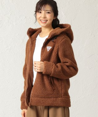 【GUESS】BOA FLEECE HOODED ZIP-UP PARKA