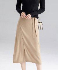 大人かわいい巻き風ミモレニットスカート