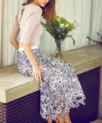 ボタニカル刺繍レーススカート