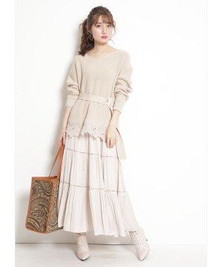 裾刺繍ニットセットアップ