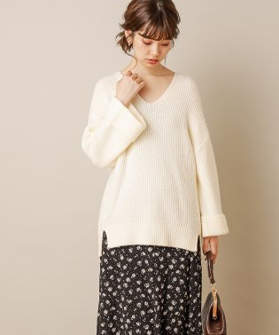 【natural couture】ターンバック袖畦Vネックニット