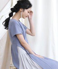 サイドプリーツ配色ドレス