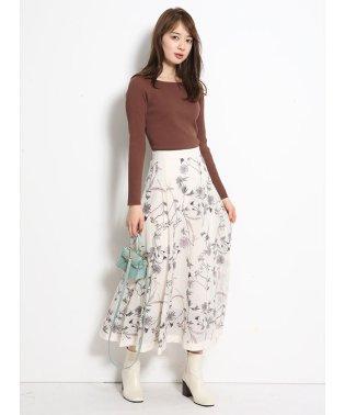 メッシュ刺繍フレアスカート