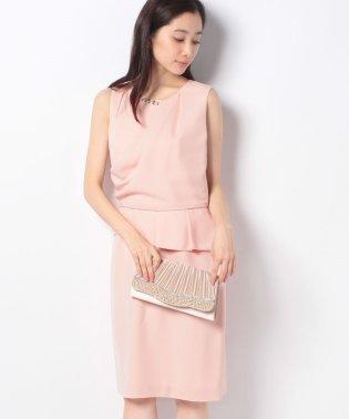 ドレープタックタイトドレス