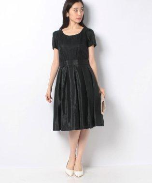 パニエツキリトルブラックドレス