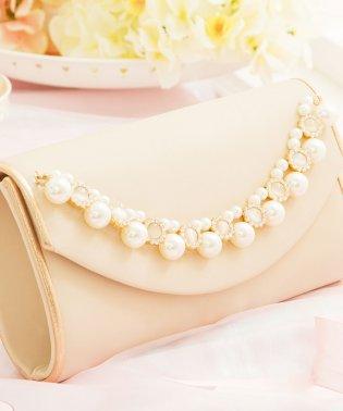 【結婚式・お呼ばれに使えるパーティーバッグ】パールビジューラディアルサテンクラッチバッグ