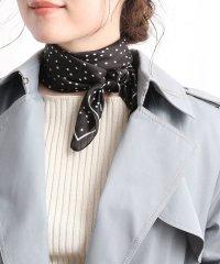 70cm幅ランダムドット柄スカーフ