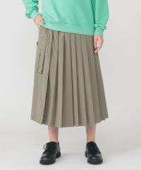 ミリプリーツスカート