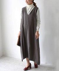 Vネックコクーンジャンパースカート