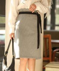 千鳥格子柄台形スカート