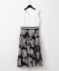ローズ刺繍ドレス