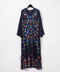 フード刺繍ロングワンピース