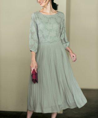 ジャカード素材使いプリーツドレス