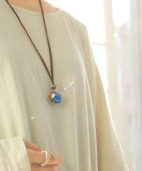 『青い地球儀ネックレス 』