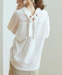 バックリボンスキッパーシャツ