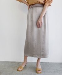 ヘビーサテンタックタイトスカート