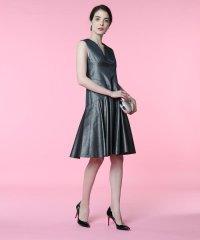 《M Maglie le cassetto》Vネックメタリックドレス