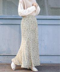 スモーキーフラワーナロースカート