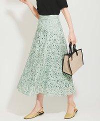 カットワーク刺繍スカート