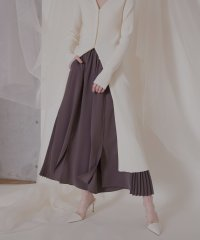Edge Pleat Slit Pants
