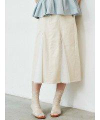 チュールとデニムのスカート