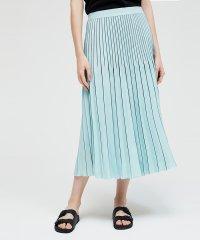 クレープラインプリーツロングスカート