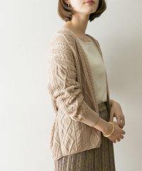ケーブル編みショートカーディガン