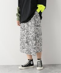 レタリングプリントスカート