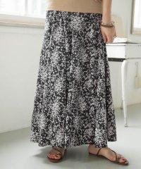 【ITEMS】小花柄スカート