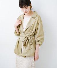 とろみ素材とウエストリボンで女っぽ コートよりも気軽に羽織れるトレンチジャケット