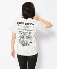 エンブロイダリー ティーシャツ 刺繍/EMBROIDERED T-SHIRT