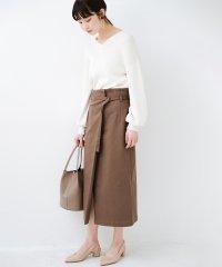 露出せずとも女っぽい すっきりシルエットが自慢のシンプルタイトスカート