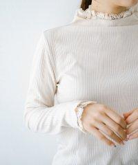 1枚でも重ねても便利!テレコ素材できれいに着られる衿レース付きカットソートップスby style zampa