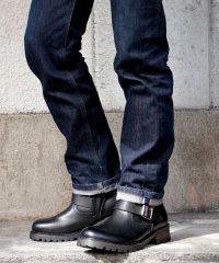 ファスナー付きで簡単に履ける!履いた時のシルエットがきれいなエンジニアブーツ/5229
