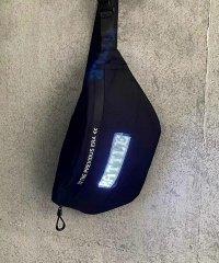 LEDライト搭載ボディバッグ