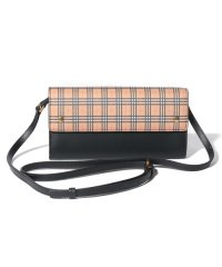 【Burberry】Small Scale Check Wallet With Detachable Strap