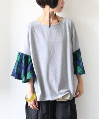 『nOrチェックフレアスリーブデザインTシャツ』