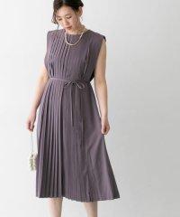 センタープリーツドレス
