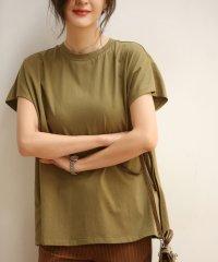 フレンチスリーブのクルーネックコットンTシャツ