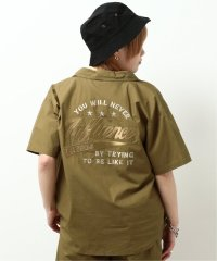 半袖BACK刺繍シャツ