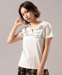 ステンシル×エンブロイダリー キーネック Tシャツ/STENCIL×EMBROIDERY KEY NECK T-SHIRT