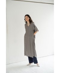 DOT JACQUARD OVER SLIT ワンピース