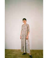 LINE FLOWER PLEAT ワンピース