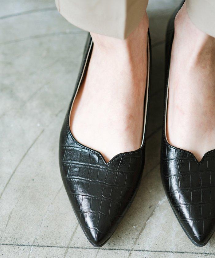 (haco!/ハコ)【防水】普段もお仕事も雨の日も!さっと履いて女っぽい Vカットが足をきれいに見せてくれるフラットパンプス/レディース ブラック