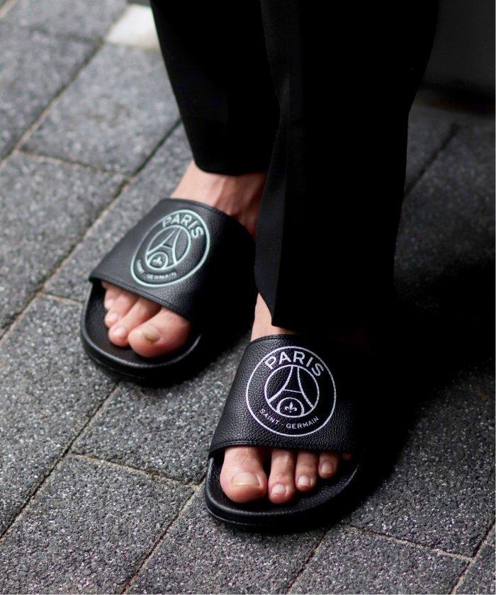 (Paris Saint-Germain/パリサンジェルマン)【Paris Saint−Germain / パリサンジェルマン】エンブレム シャワーサンダル/メンズ ブラック