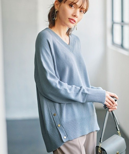 (GeeRA/ジーラ)裾ボタンVネックモチモチニット /レディース ブルー